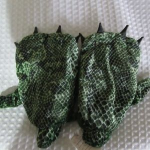 Other - Lizard Hands For Medium child